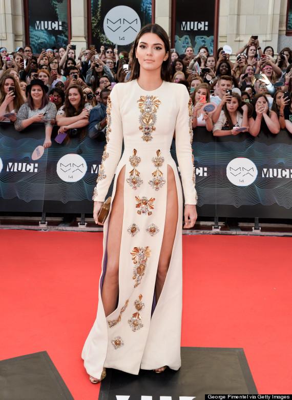 Kendall Jenner Tanpa Celana Dalam di Atas Karpet Merah