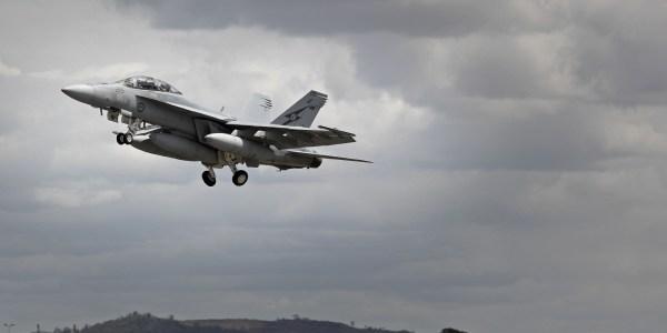 Australia Authorizes Air Strikes On ISIS In Iraq   HuffPost