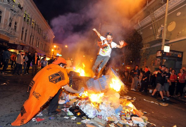 Giants Fans Celebrate World Series Victory By Destroying ...