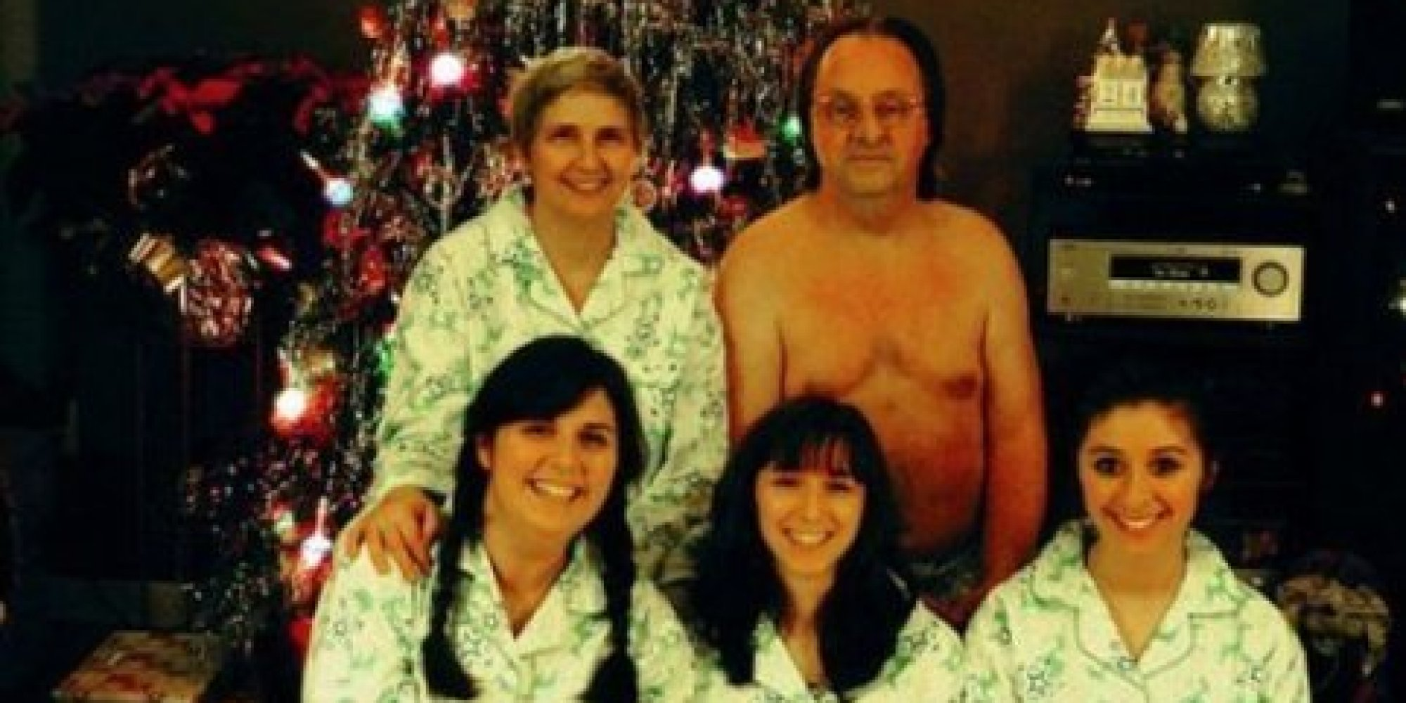 32 Family Christmas Cards That Are Even More Awkward Than
