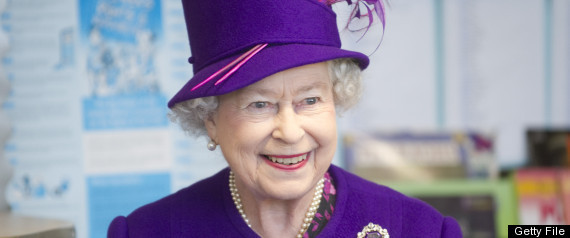 https://i1.wp.com/i.huffpost.com/gen/241364/thumbs/r-QUEEN-ELIZABETH-II-large570.jpg