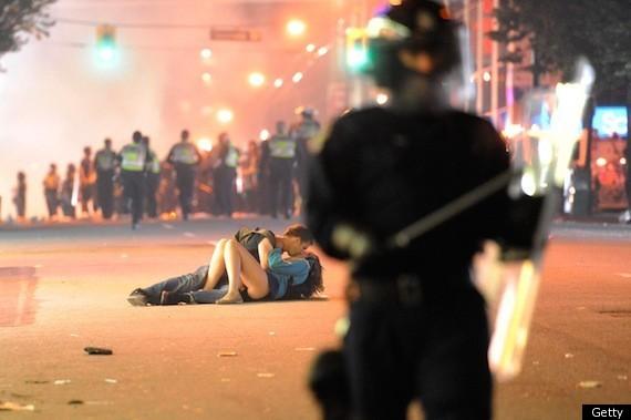 kissing riot