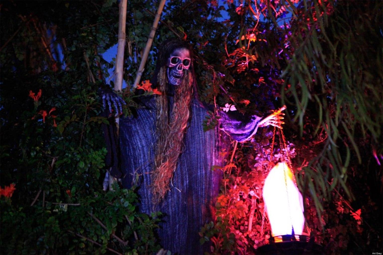 Halloween Haunted Houses La S Best Hayrides Mazes