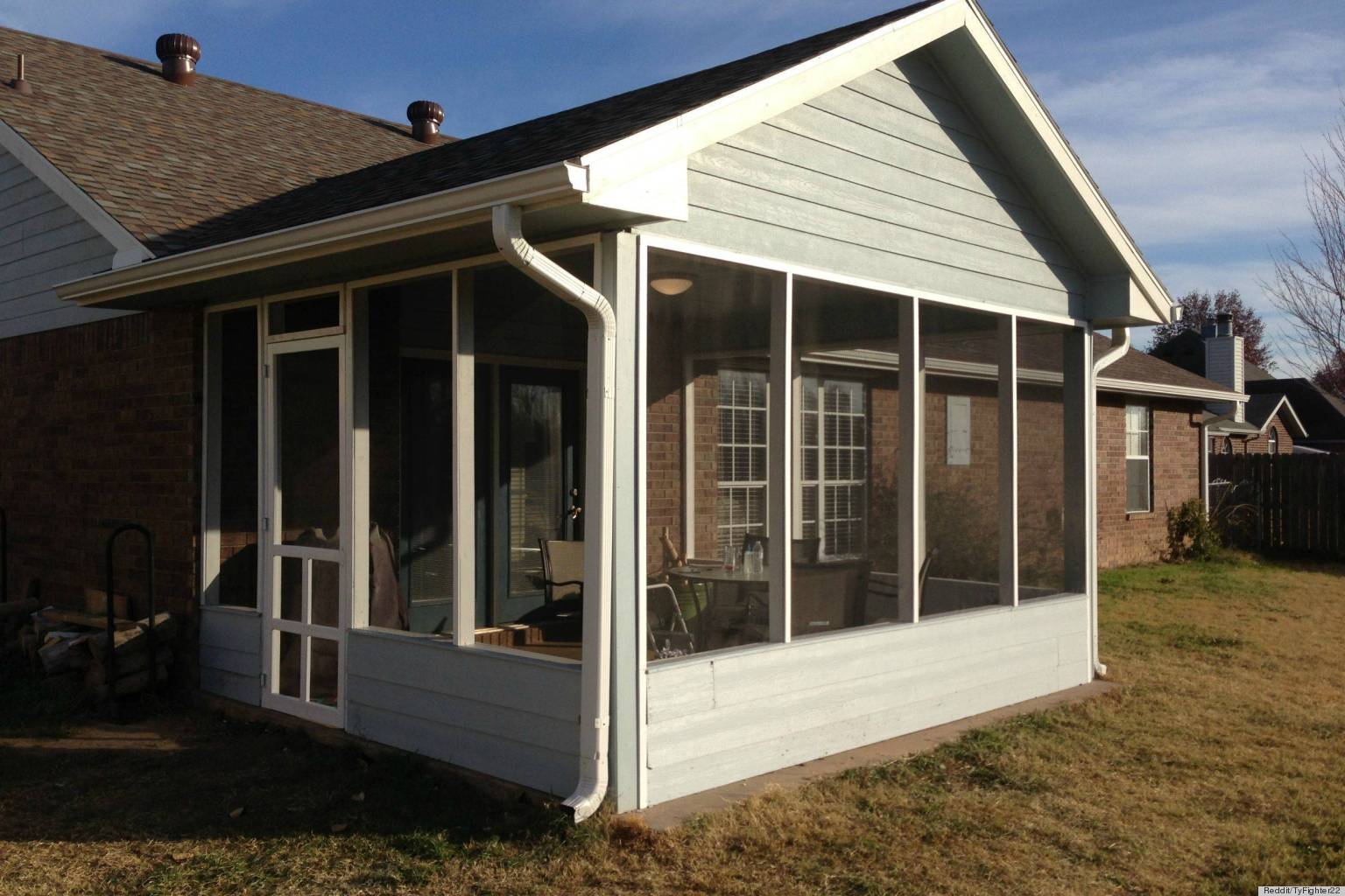 How To DIY A Screened-In Patio For Only $500 (PHOTOS ... on Small Enclosed Patio Ideas id=50245