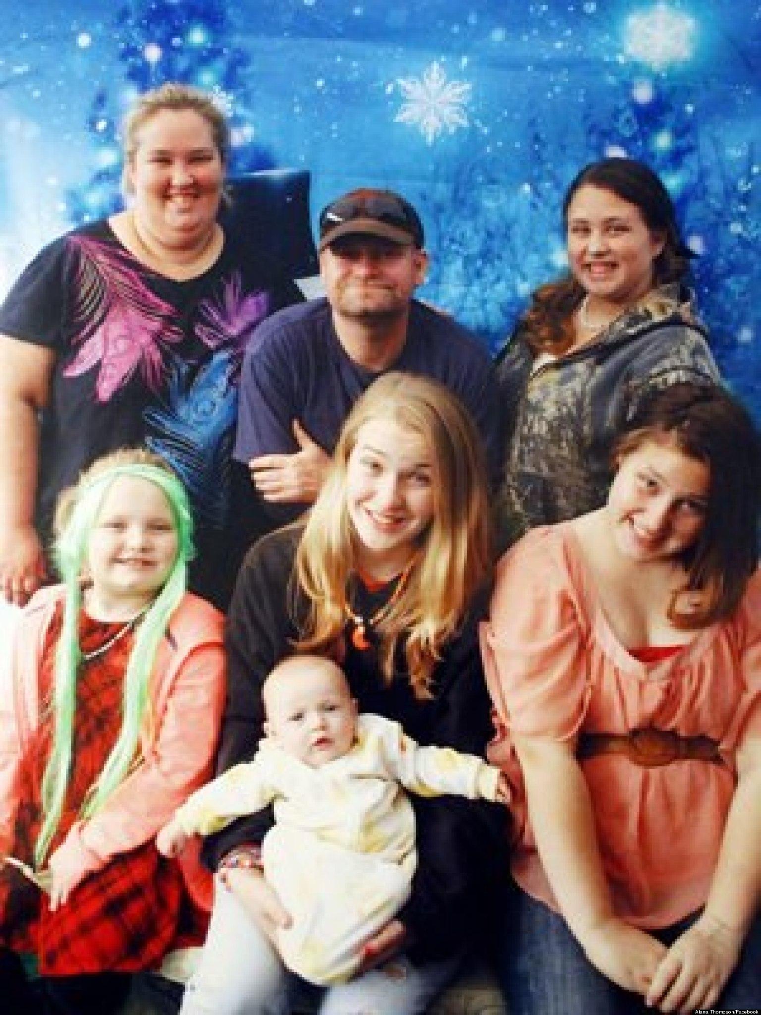 Honey Boo Boo Christmas Card Reality TV Family Assembles