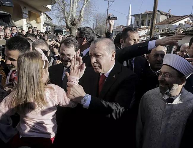 President Erdoğan visits Turks in Greece's Western Thrace