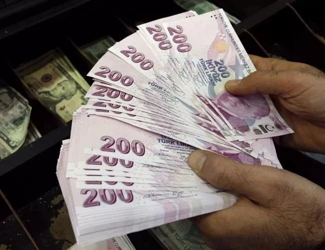 Turkish Lira bounces back to 5.9 against US dollar