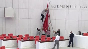 Meclis hazırlanıyor! Bayraklar da değiştirildi...