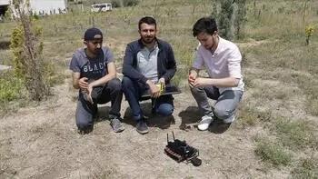 Üniversite öğrencileri 'mayın arama robotu' yaptı