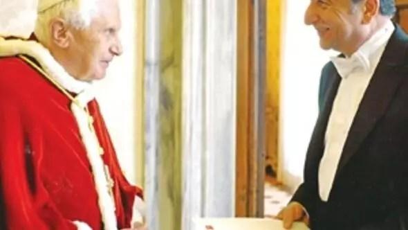 Papalık arşivlerine girmeliyiz