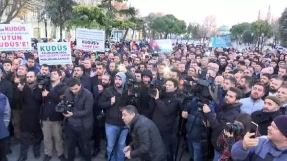 Sultanahmet Camii önünde Kudüs protestosu