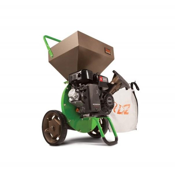 тип садовых измельчителей с бензиновым двигателем подходит большинству садоводов