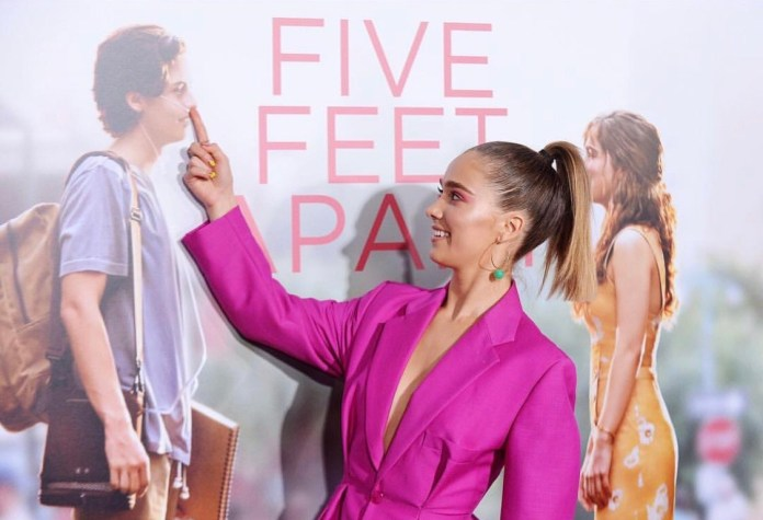 Five-Feet-Apart-World-Premiere-4