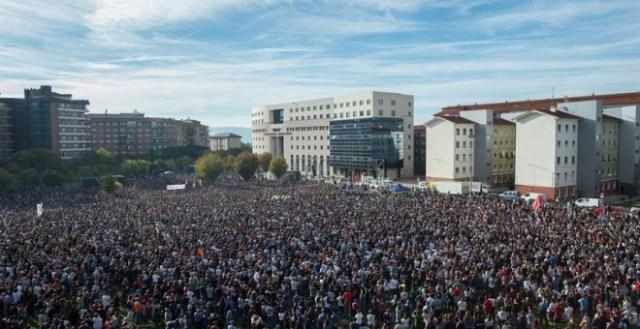 Más de 50 000 personas reclaman justicia para Altsasu ante el TSJN