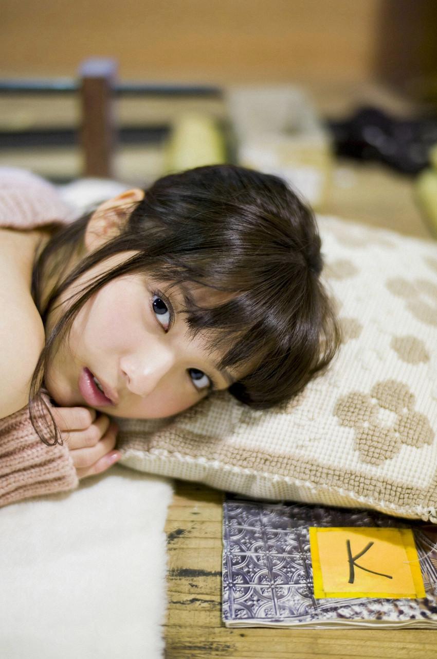 新川優愛「かわいすぎる」グラビア 31