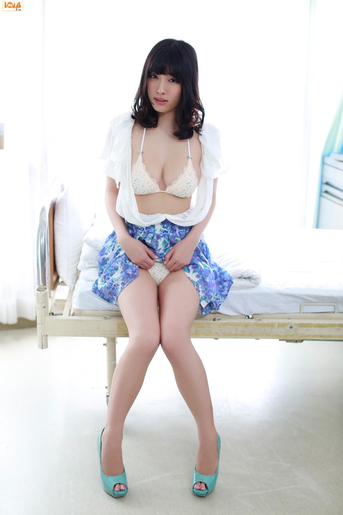[BOMB.tv] GRAVURE Channel 2013年09月号 今野杏南X岸明日香 045