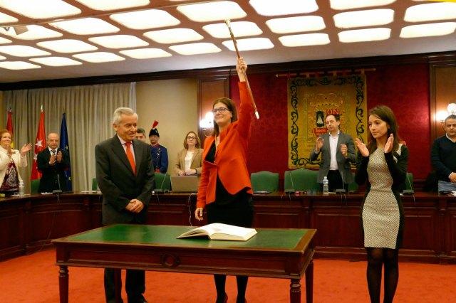Noelia Posse no revocará el nombramiento de su hermana y de su tío en el ayuntamiento de Móstoles