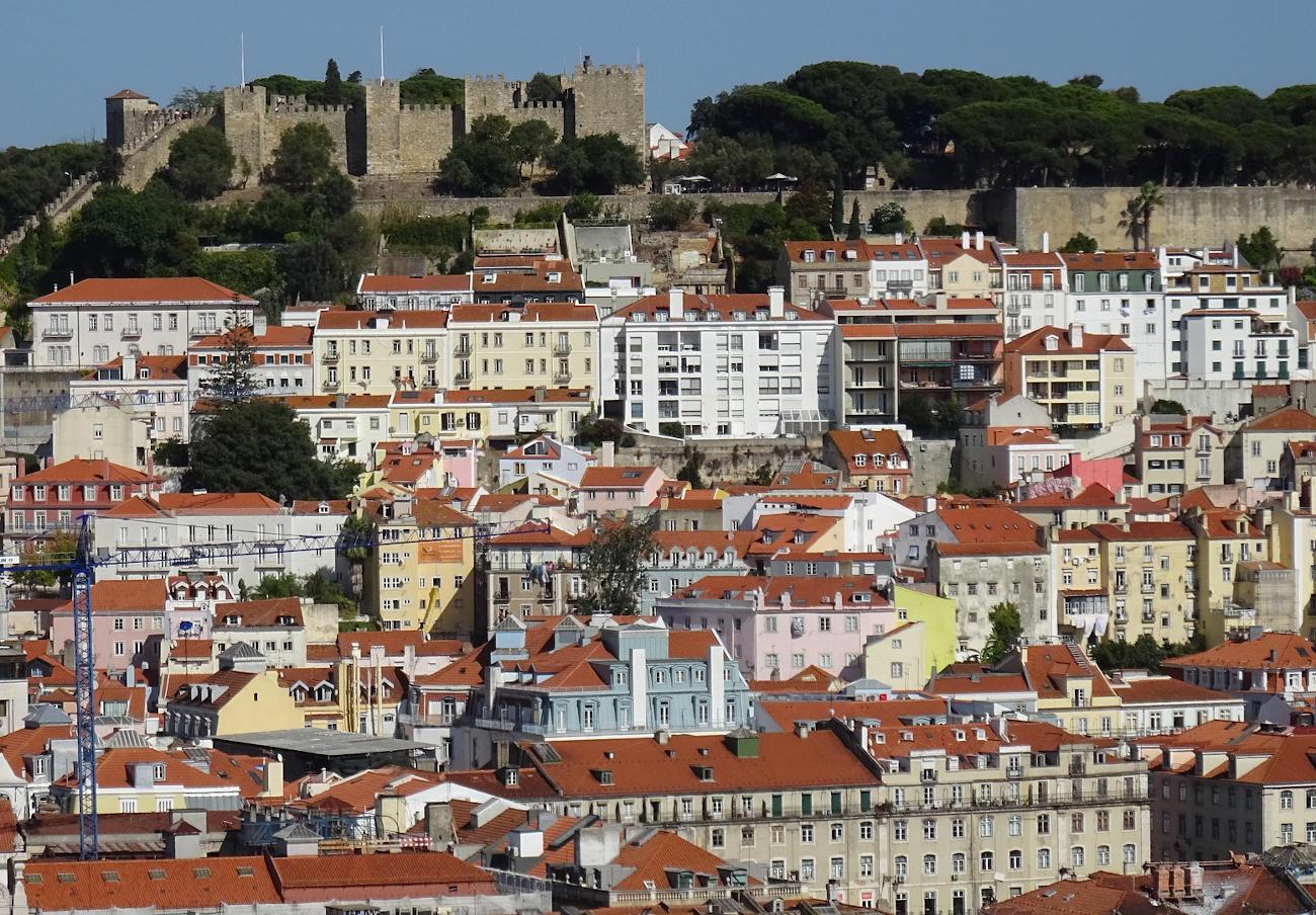Lisboa aprueba multas de hasta 15.000 euros por servir comida en plástico