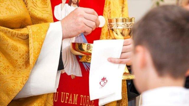 Francia y la lacra de la pederastia: La Iglesia francesa afronta ya 2.800 denuncias de abusos a menores