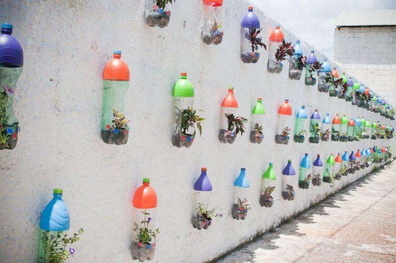kerajinan tangan dari barang bekas botol jadi pot bunga