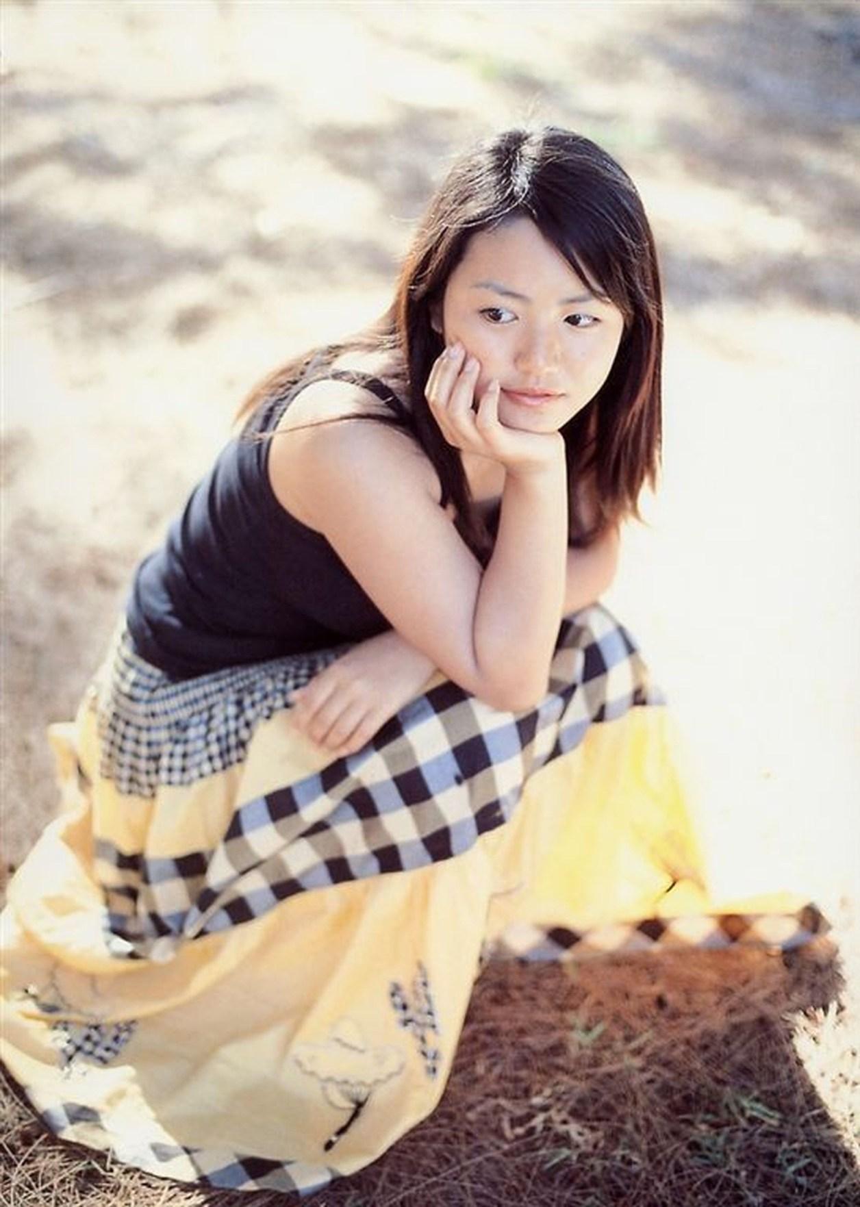 Isoyama-Sayaka-photobook-pre-pri-17-084