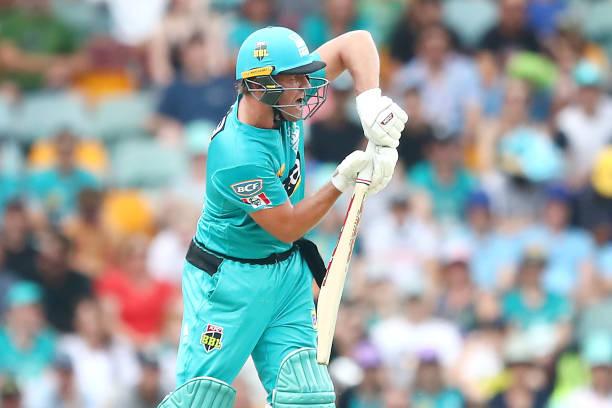 BRISBANE-AUSTRALIA-JANUARY-14-AB-de-Villiers-of-the-Heat-plays-a-shot-during-the-Big-Bash-League-mat