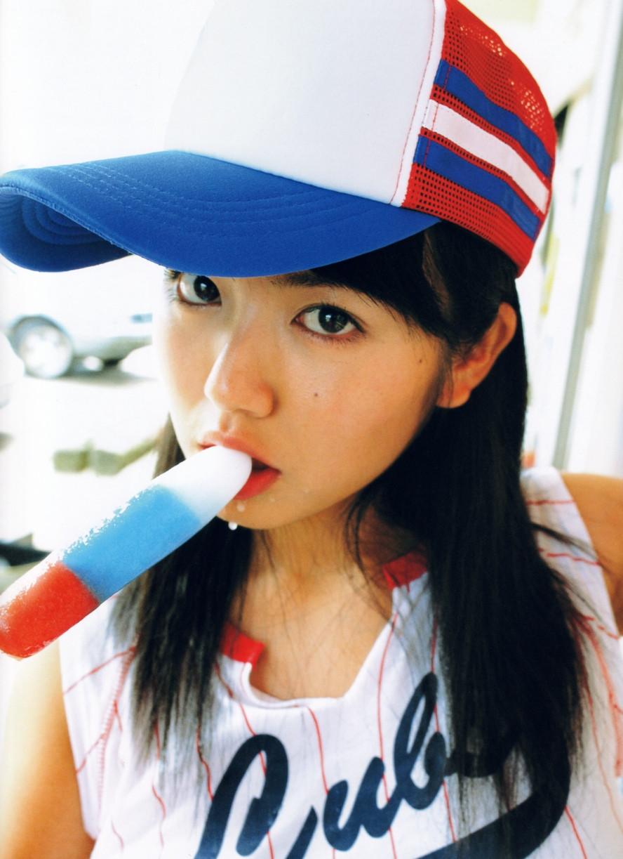 Isoyama-Sayaka-her-mavelous-youthful-days-092
