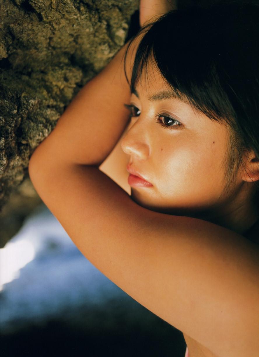 Isoyama-Sayaka-her-mavelous-youthful-days-019