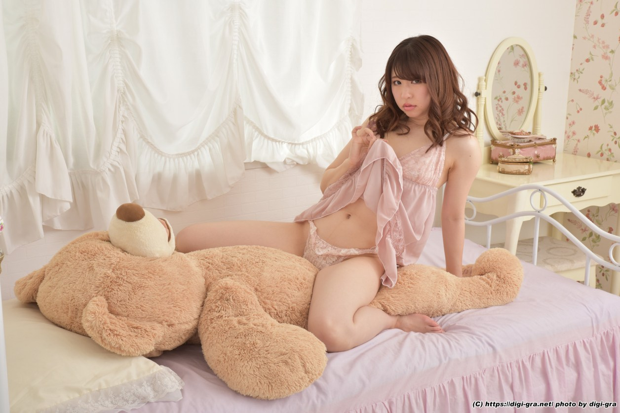 Mamiya-Aya1-008