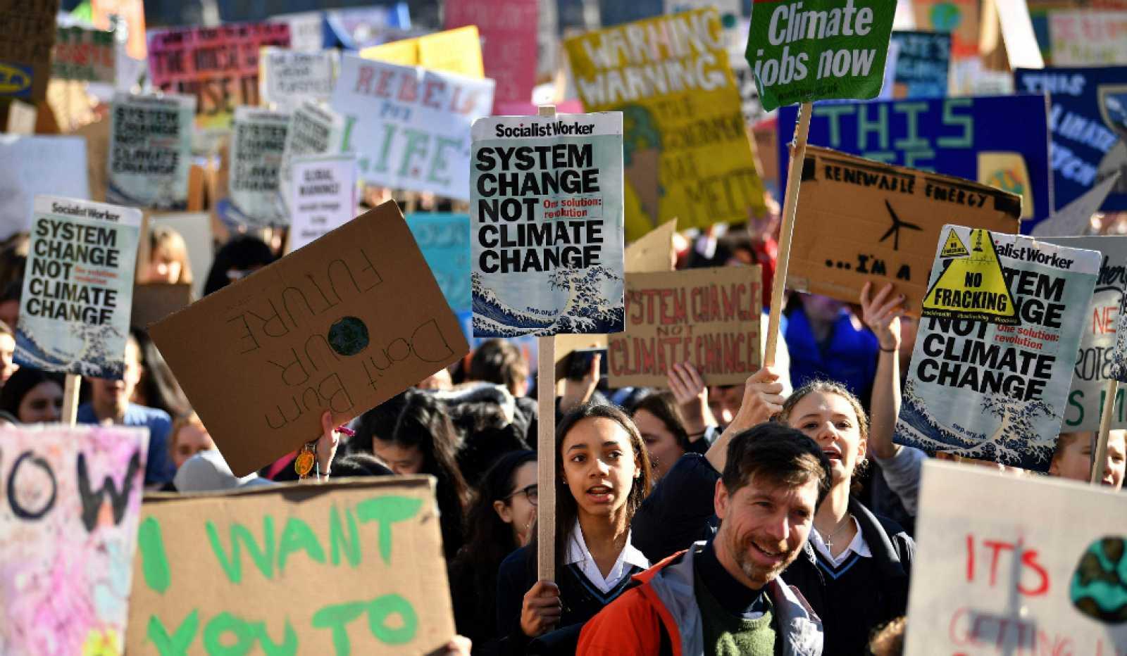 ¿Y si nos unimos para salvar el clima?  Un repaso a los movimientos sociales contra el cambio climático
