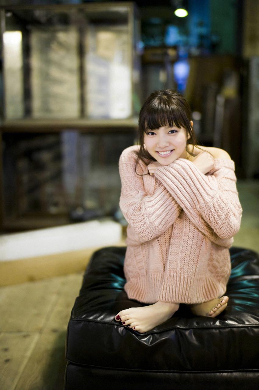 新川優愛「かわいすぎる」グラビア 38
