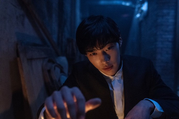 The-Divine-Fury-Official-Still-7-Woo-Do-Hwan