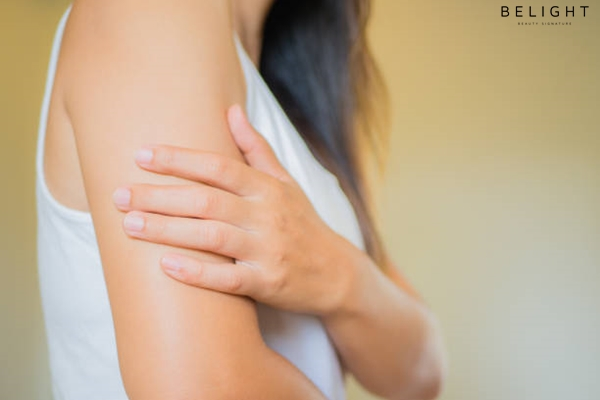 Closeup-female-s-arm-Arm-pain-and-injury-Health-care-and-medical-concept