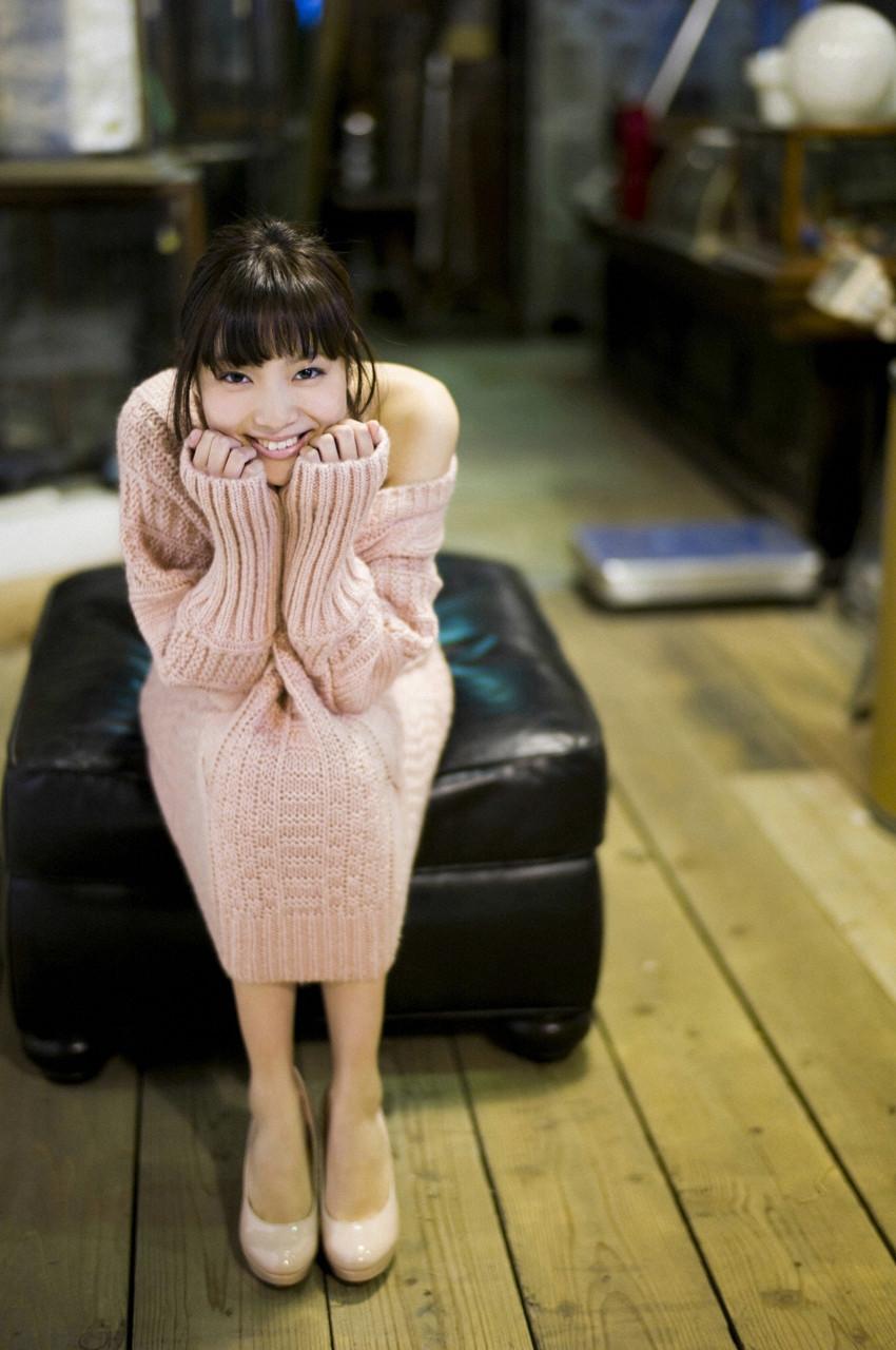 新川優愛「かわいすぎる」グラビア 36