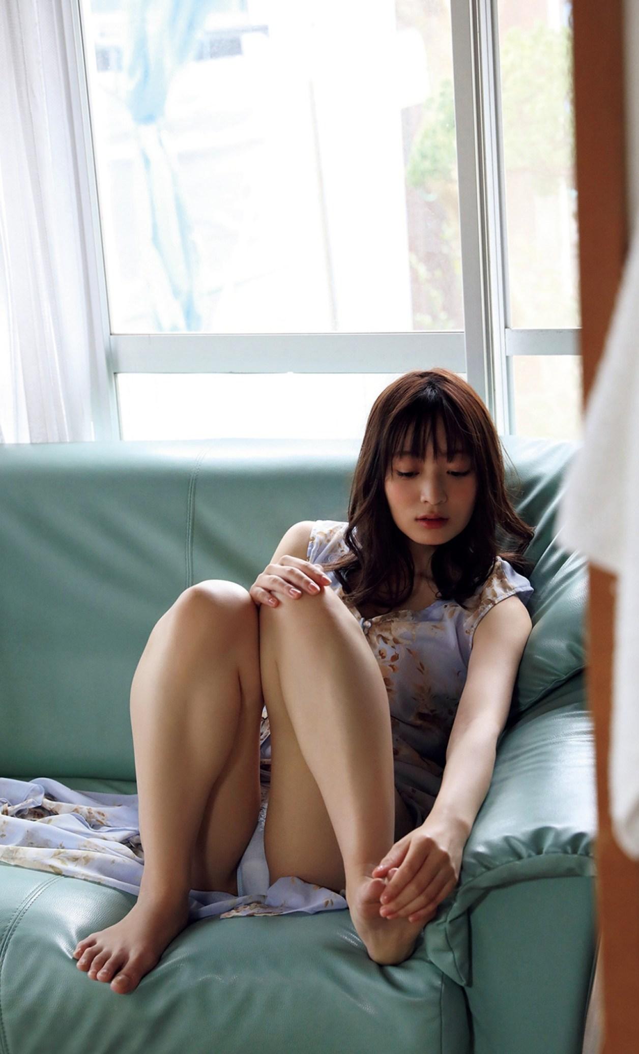 和田瞳 初公開 フルヌード エロ画像 003