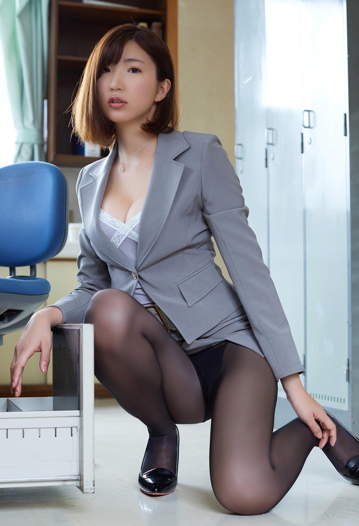 松嶋えいみ「放課後に呼び出されて」グラビア 画像 00018