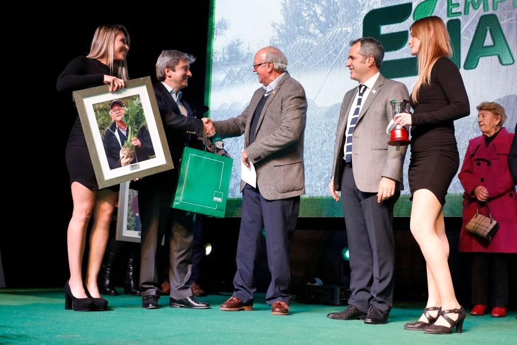 Empresas Iansa premia a los mejores remolacheros del país.