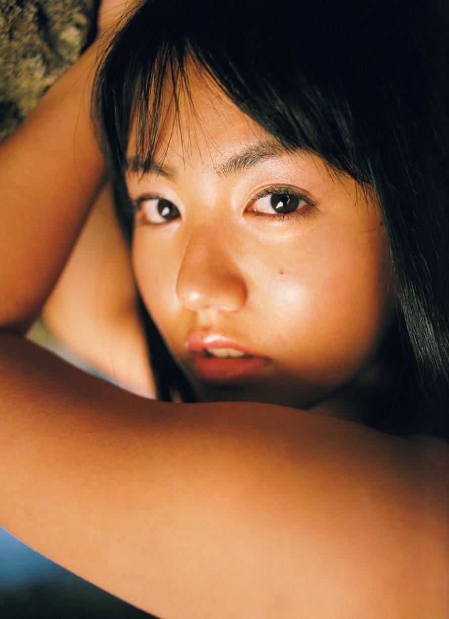 Isoyama-Sayaka-her-mavelous-youthful-days-008