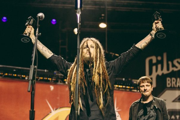 Fieldy of Korn presenting Fall Out Boy with Band Of The Year award