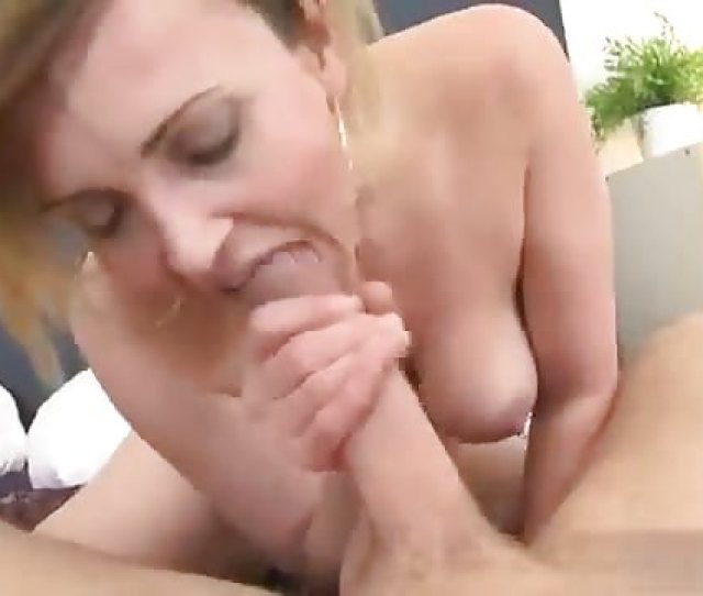 Sexy Mature Woman Fucks A Young Man