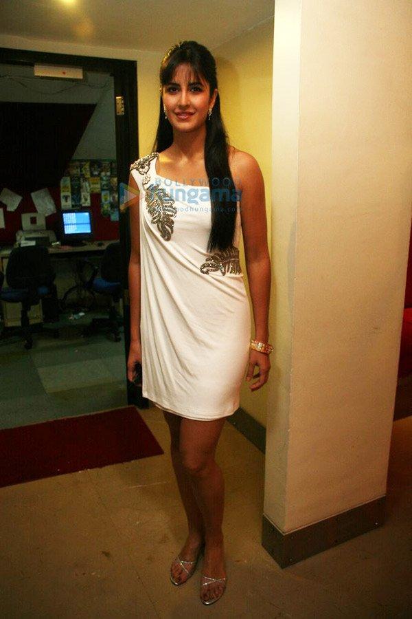 Katrina Kaif In Mini White Dress Scrap Everyone