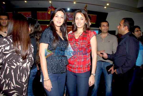 Sonali Bendre & Gayatri Joshi