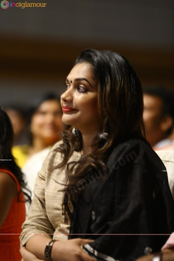 Rimi Tomy Actress Photos Stills, Images, Pictures and Hot ...