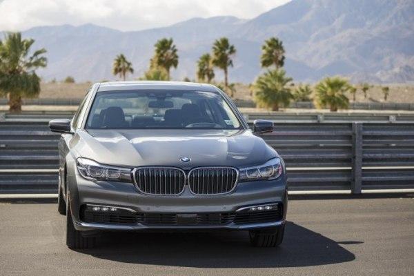 Фото BMW 7 Series iPerformance (G11) - фотографии БМВ 7 Серия