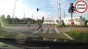 Gdańsk: O krok od wypadku. Dziecko omal nie wjechało pod tramwaj