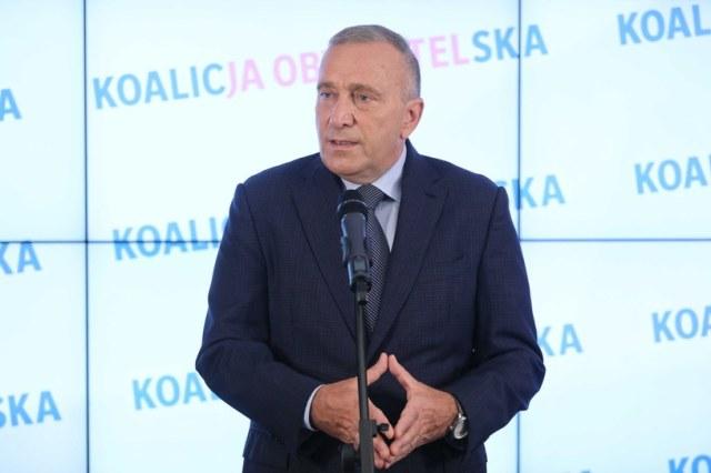 Lider PO Grzegorz Schetyna podczas konferencji prasowej w Biurze Krajowym PO w Warszawie /PAP