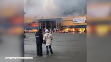 Pożar centrum handlowego w Petersburgu