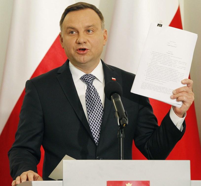 Prezydent podczas ogłaszania założeń swojego projektu /AP Photo/Czarek Sokolowski /East News