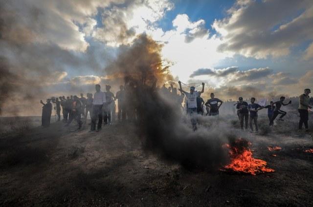 Protesty przy Strefie Gazy / PAP/EPA/MOHAMMED SABER /PAP