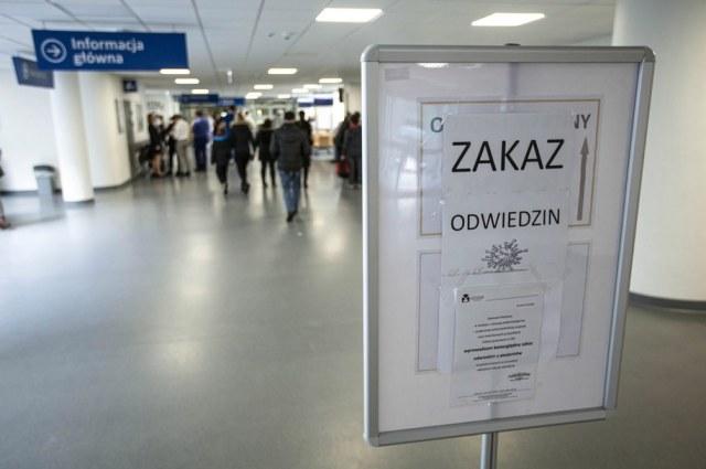 W Polsce od 1 września 2019 r. do 30 kwietnia 2020 r. z powodu grypy i jej powikłań zmarły 64 osoby. Zdjęcie ilustracyjne /Aleksander Koźmiński /PAP